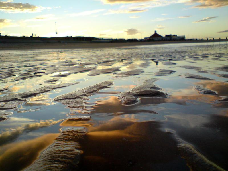 sun water sand by InanimateSickBoy