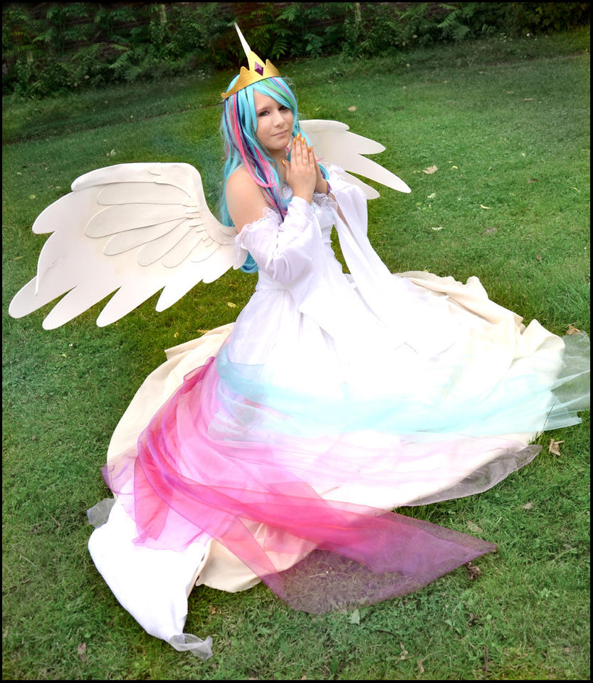 MlP FiM: Princess Celestia Cosplay by KuraiOfAnagura