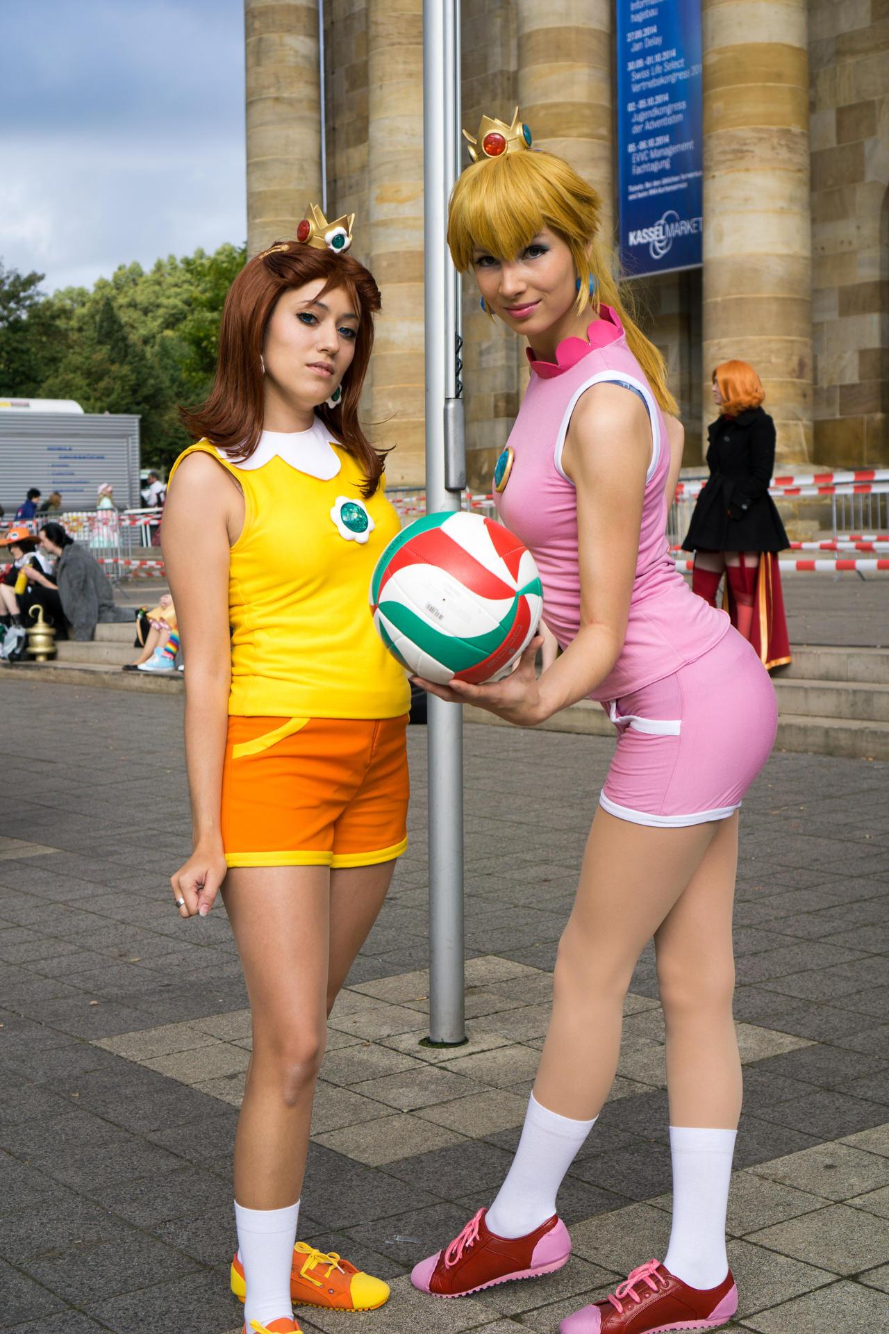 and cosplay Peach daisy