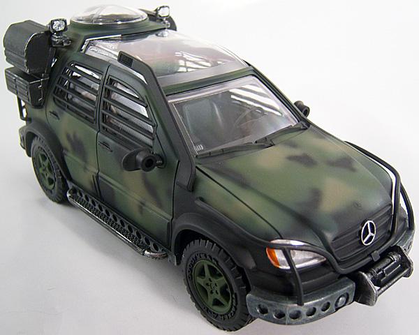 Mercedez Benz Ml 320 Jurassic Park Scale Model By