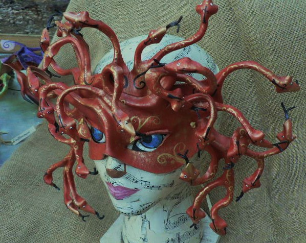 Medusa mask in red by faerywhere