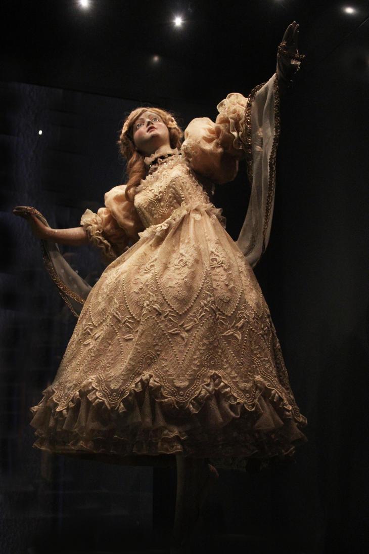 The Mechanical Dancer by Martigot