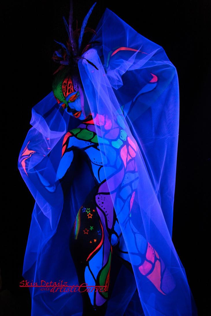Black Light Round II by oldmacman