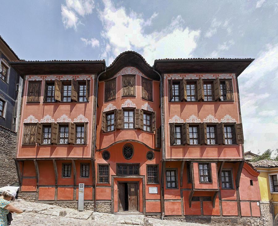 Dimitar Georgiadis house by rhipster