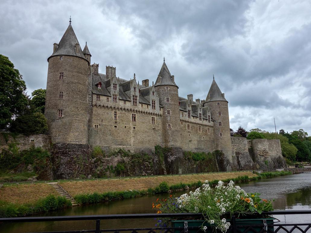 Josselin Castle. by rhipster