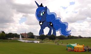Princess Luna's stroll in the park