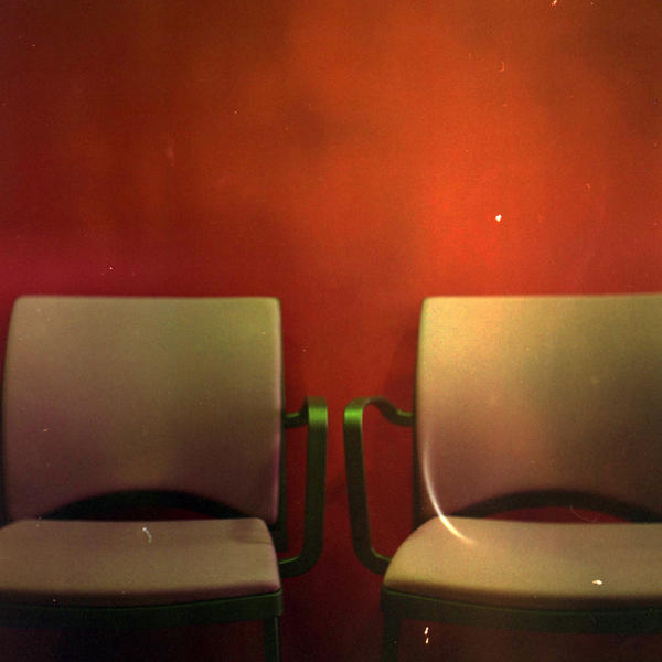 les chaises by thesadstork
