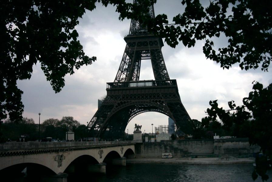 Paris Avril 2002 by djgruny