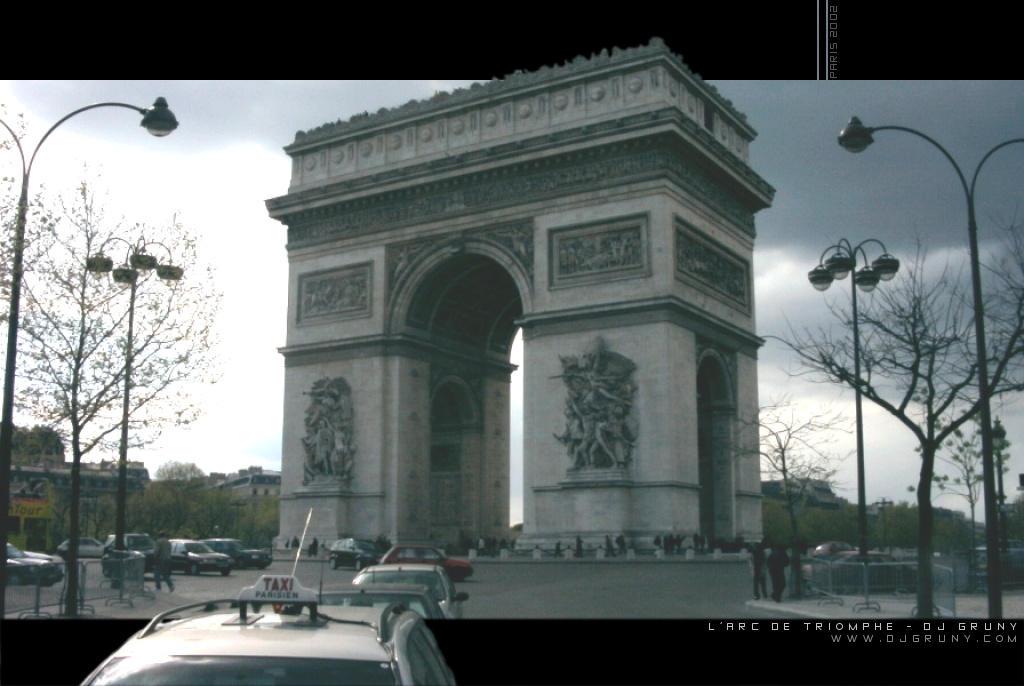 Arc de Triomphe by djgruny