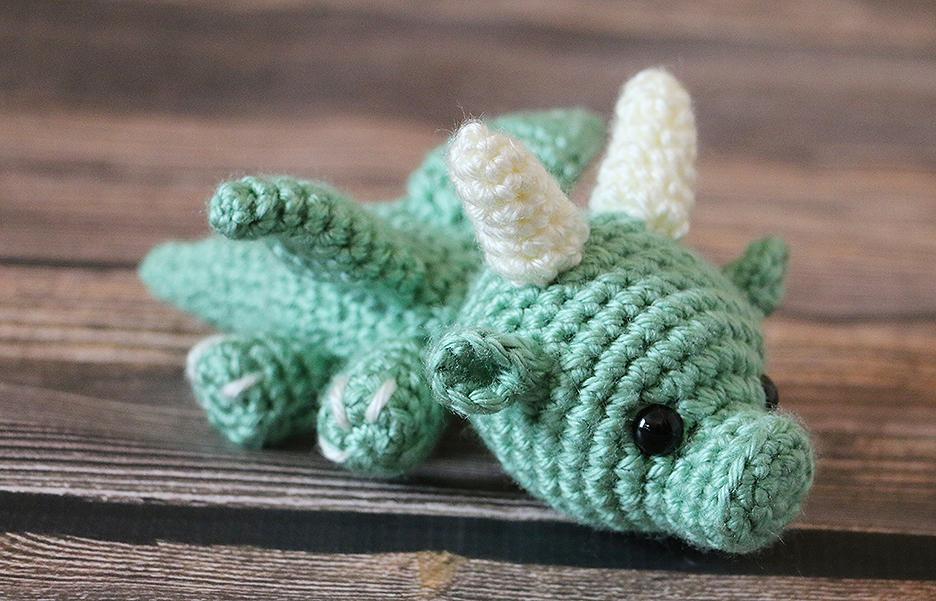 Amigurumi Baby Dragon Free Crochet Pattern | 601x936