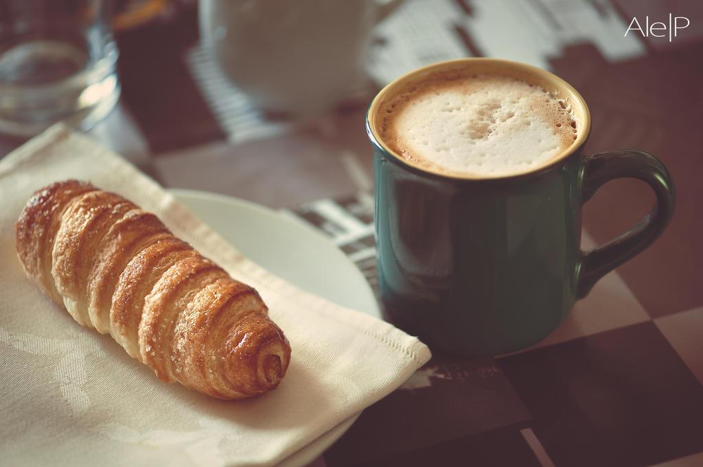Breakfast by aledeviantartist