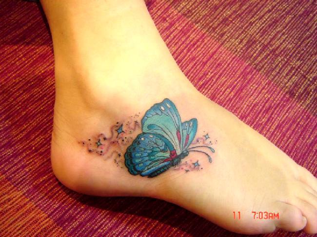 Бабочка тату на лодыжке