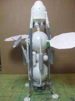 Having fun with Lindberg's old 'US Moon Ship' kit.