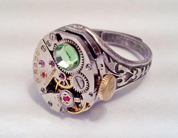 Stemapunk Ring w Green Crystal by SteamDesigns