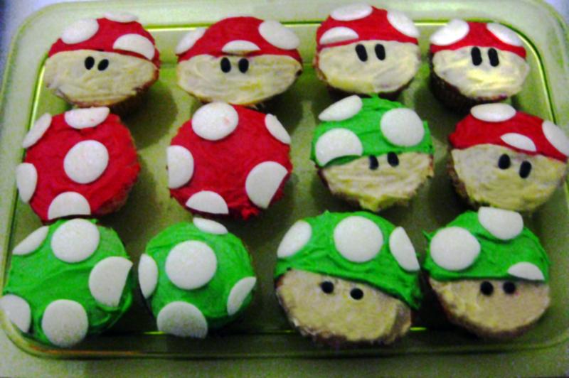 http://fc08.deviantart.net/fs70/f/2010/208/2/f/Mario_Mushroom_Cupcakes_by_cute_cuddly_cupcake.jpg