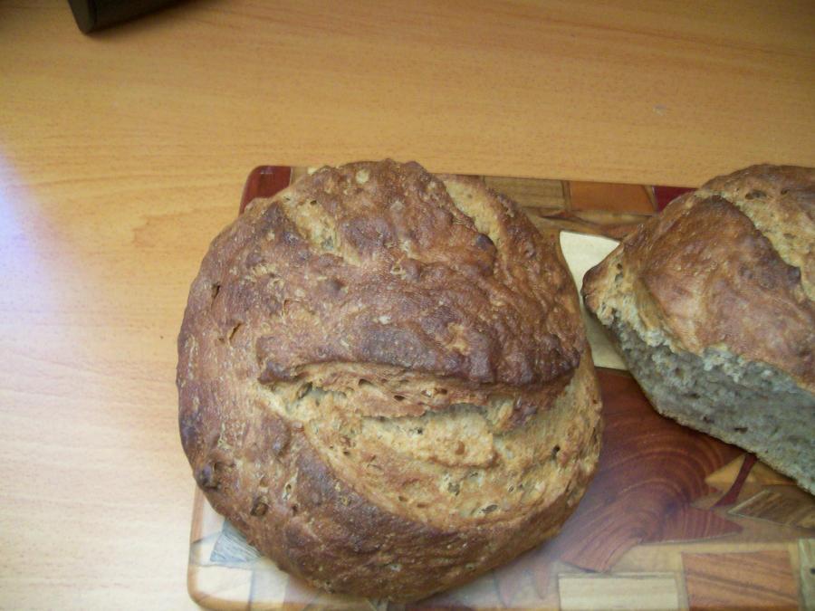 Boisterous Bread by lumin
