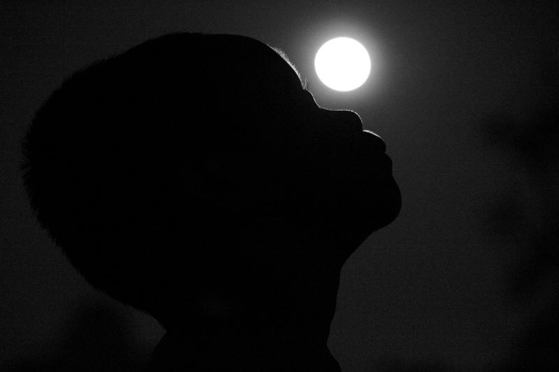 The Boy and The Moon by hersley