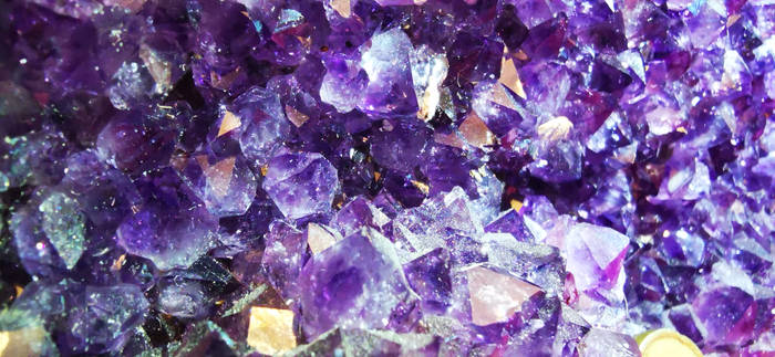 small amethyst cristal in super macro