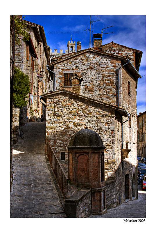 Gubbio street corner by malaskor