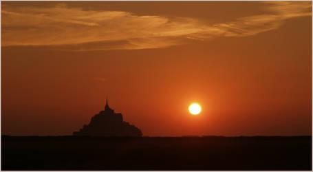 afternoon in Mont Saint Michel by VaggelisFragiadakis