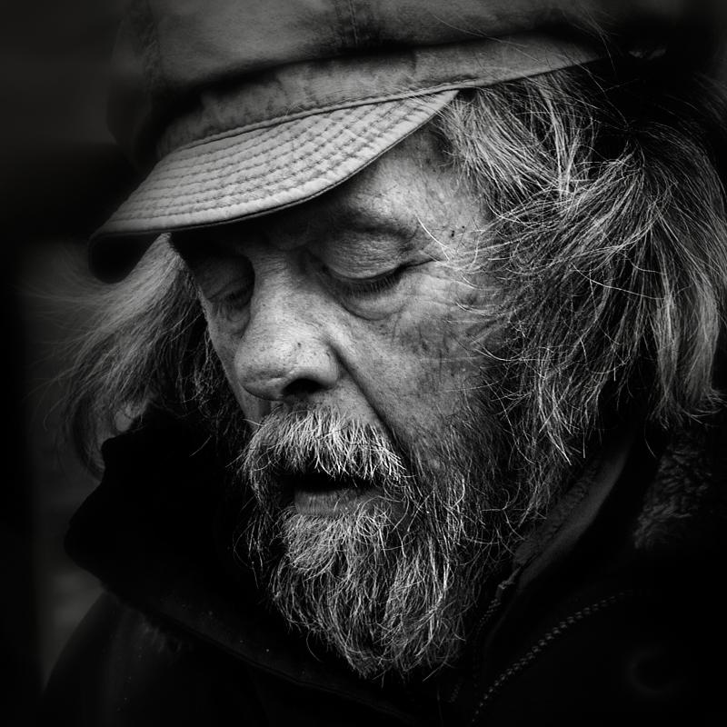 the street pianist by VaggelisFragiadakis