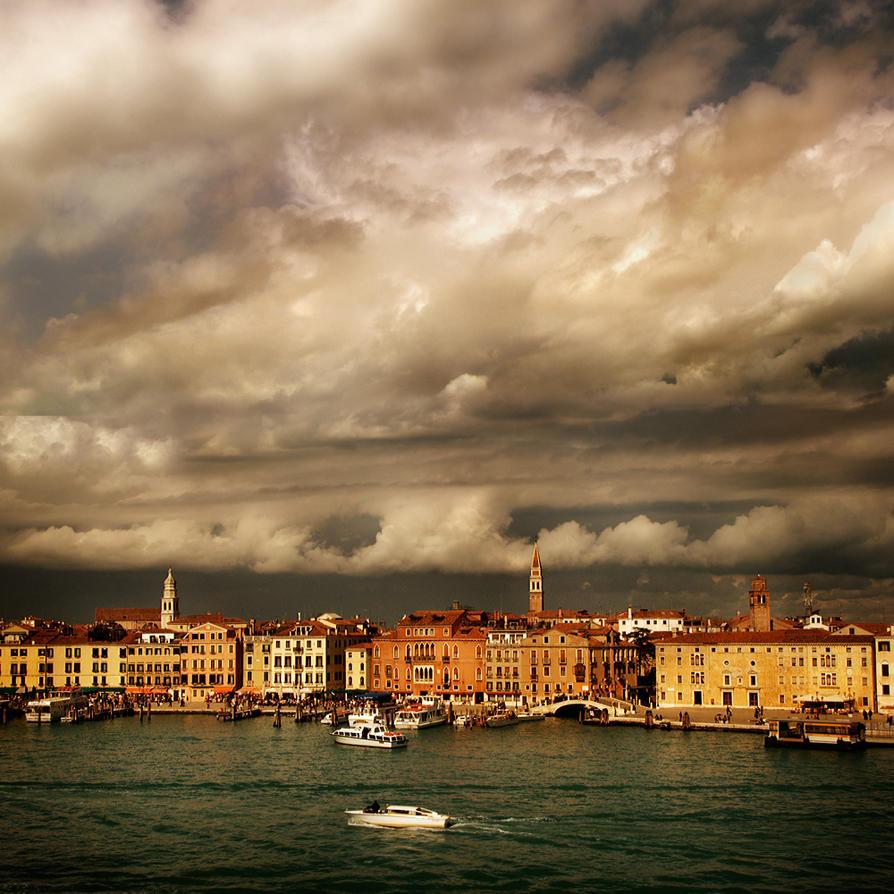 venice skyline........... by VaggelisFragiadakis