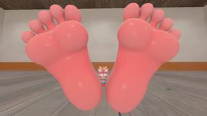Fiona Fox's Hyper Feet Tease