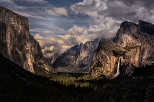 Tunnel View, Yosemite Valley, CA by AugenStudios