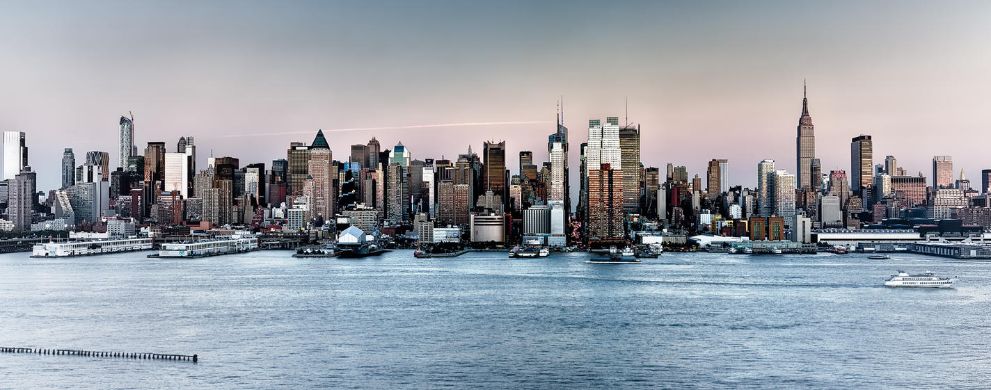 Panoramic Manhattan with Hazefall by AugenStudios