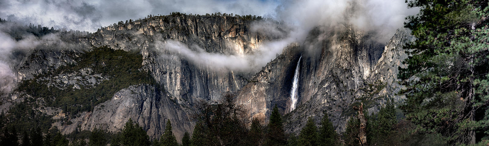 100 Megapixel Yosemite 2014: Yosemite Falls by AugenStudios