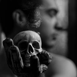 Hamlet by MeisterDesZirkuss