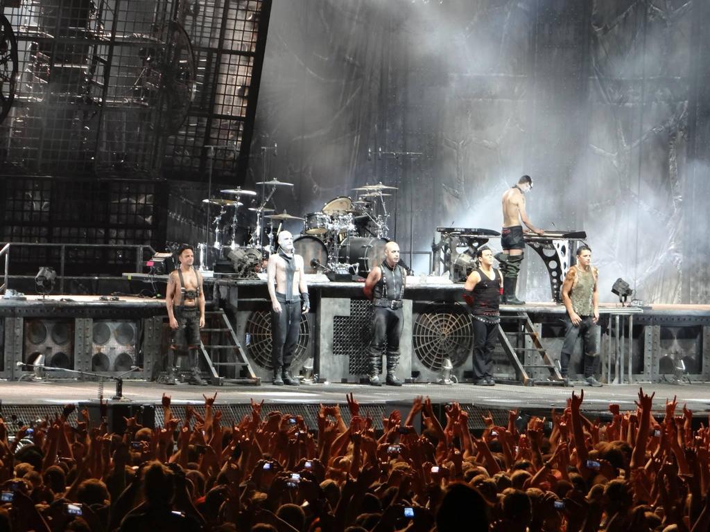 Rammstein Live Nancy By Eryhaneledhwen On Deviantart