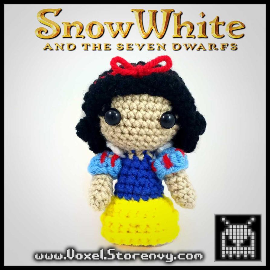 Snow White (Handmade plush) by VoxelPerlers
