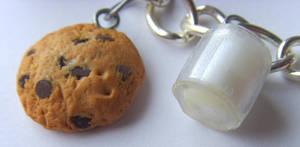 Milk n Cookie Bracelet Closeup