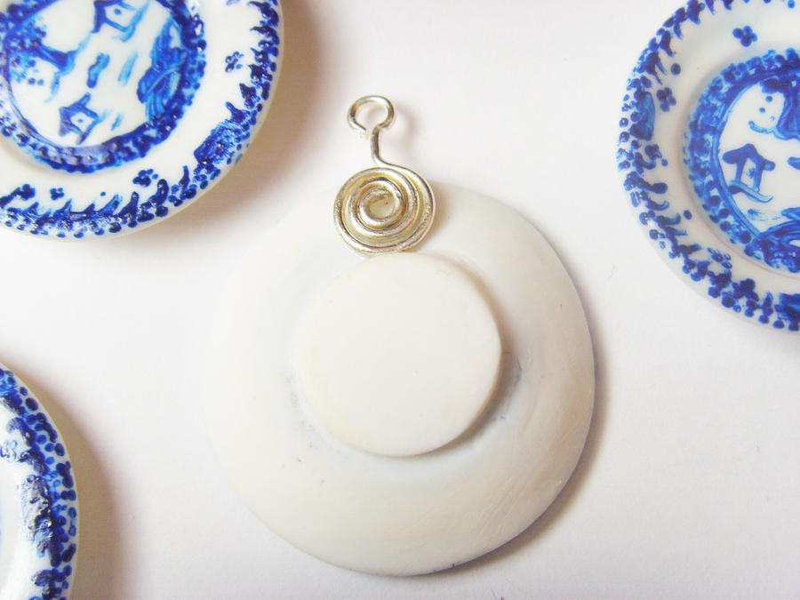 Blue 'n White Polymer Clay China Plates - Back