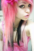 Pink hair by Nazzirithe