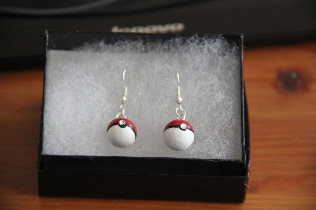 Pokeballs swarovski jewel earrings by NiennaxAngelus
