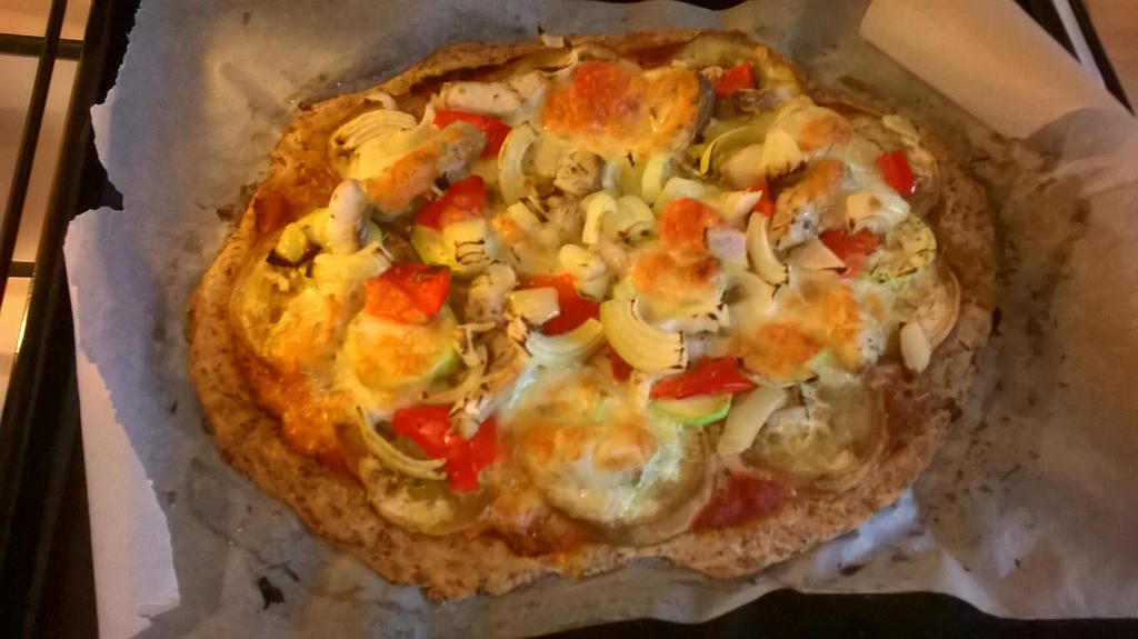 Home made pizaa by Lie-Blood