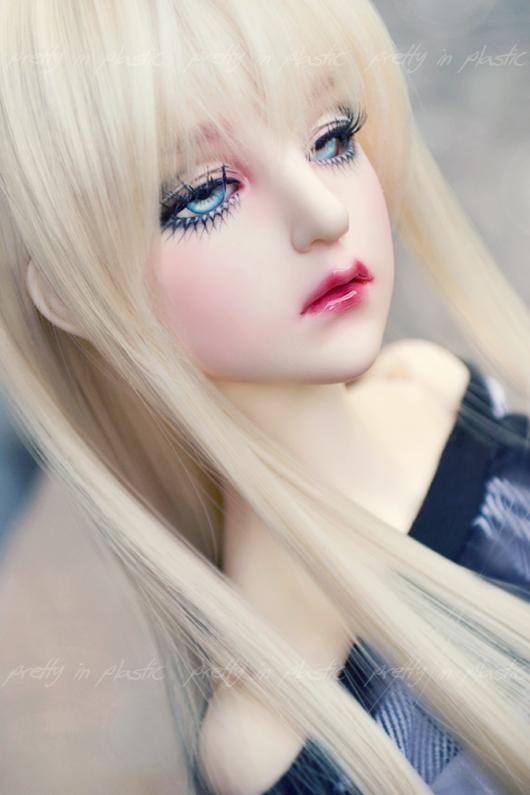 ice-blue eyes by prettyinplastic