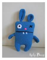 Ugly Bunny Amigurumi by CarolBarajas