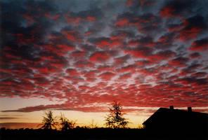 Charcoal sky glowing by Creativeness