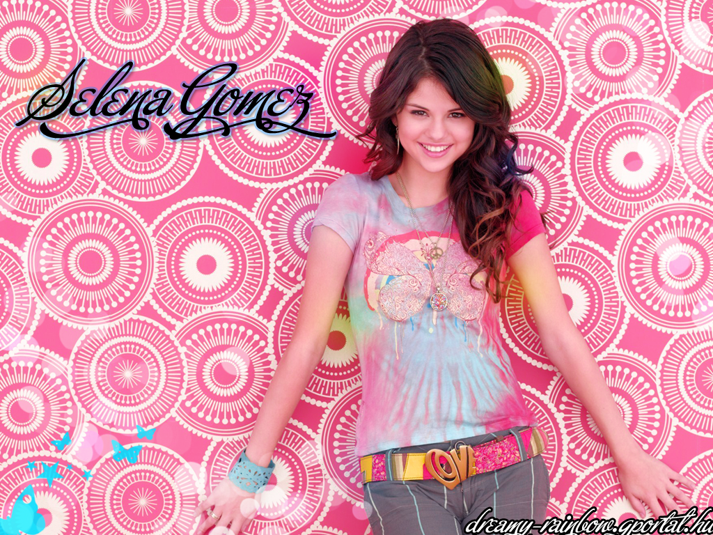 Selena Gomez News and Photos | Perez Hilton