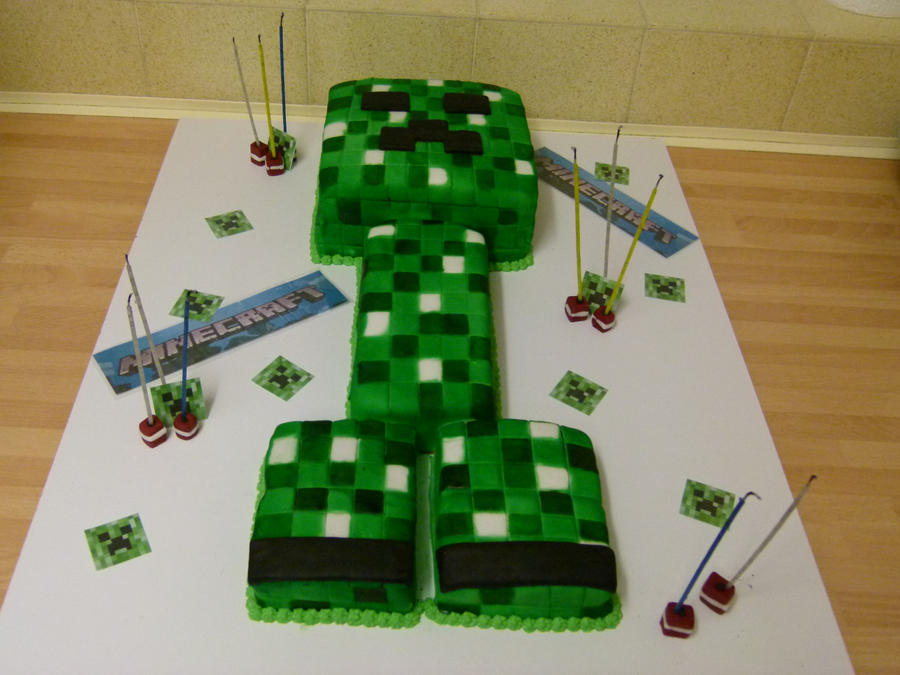 Minecraft on Pinterest Creeper Cake, Creepers and Girl ...