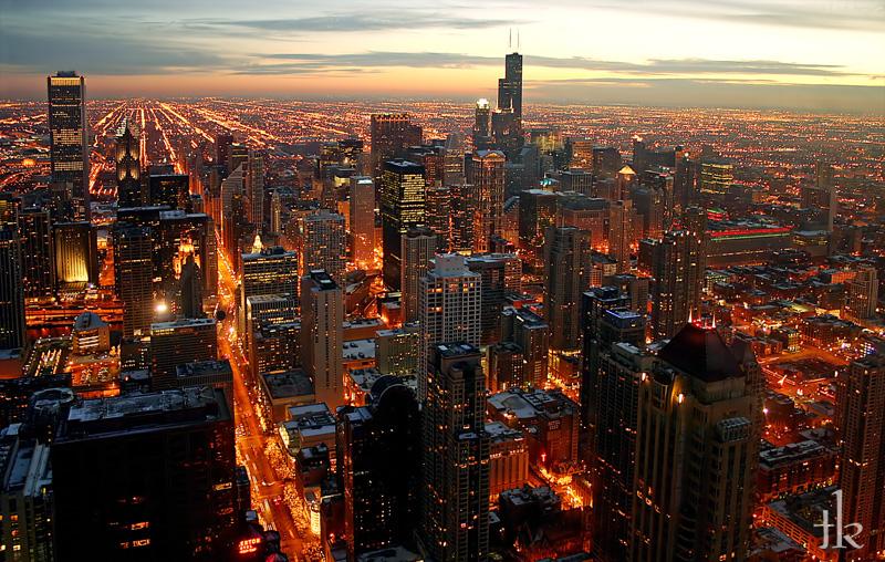 http://fc09.deviantart.com/fs14/f/2007/110/6/2/Chicago_Night_by_talikf.jpg