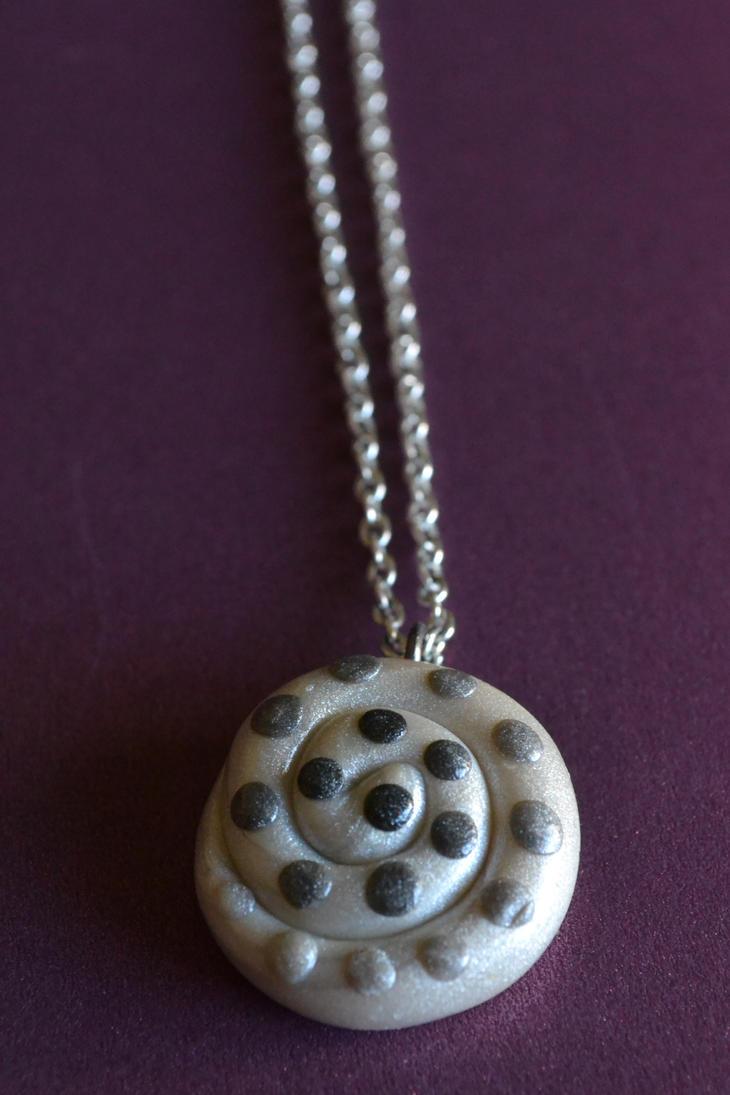 Pearl White Swirl Pendant by GoldenDaffadowndilly