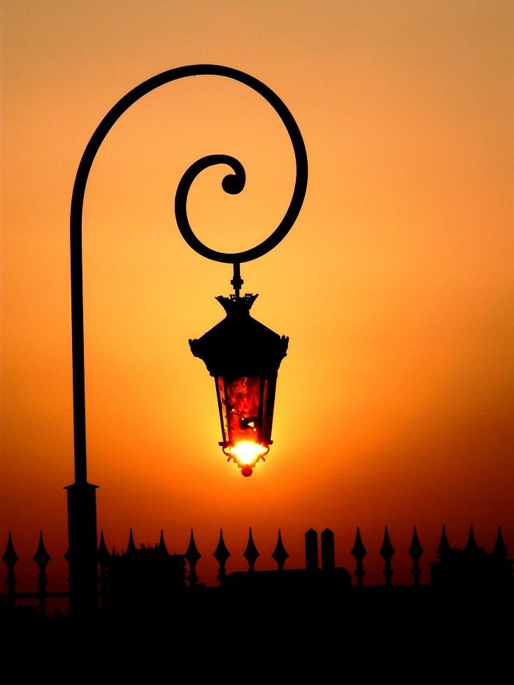 Fenjeri i lampe 8dd9d0930ce47e8123e9901ae6e29815