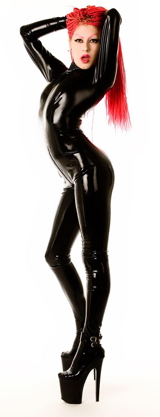 Vêtement latex de rêve Latex_Catsuit_8_inch_heels_by_MissFetishDolly