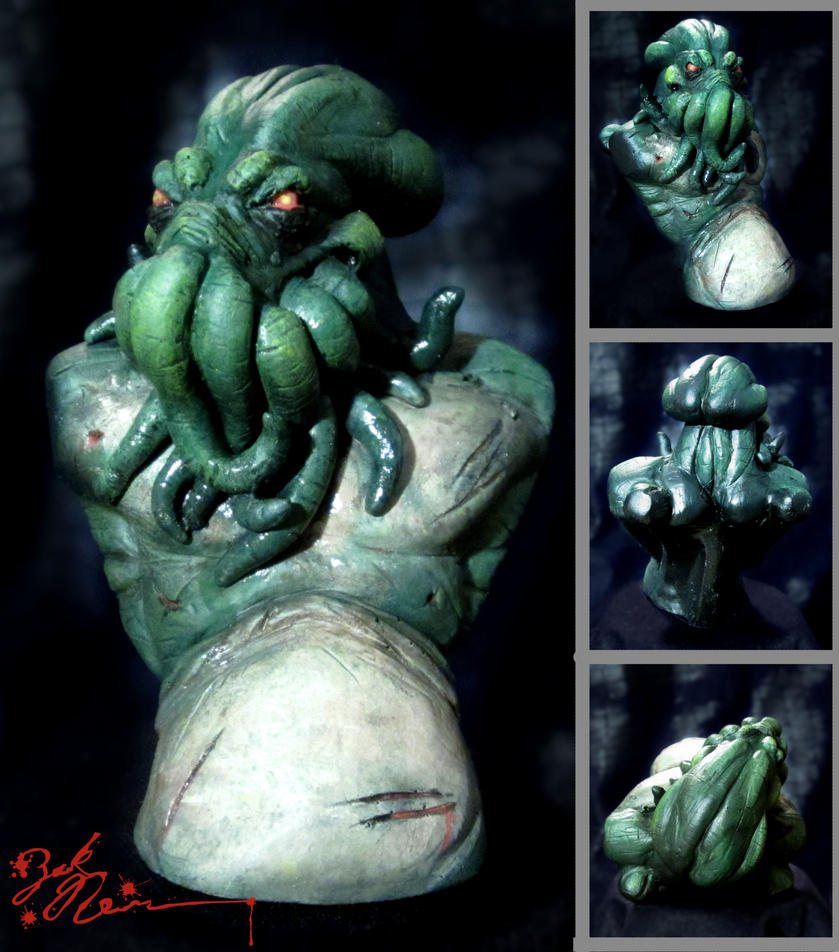 Cthulhu Mini Bust Painted by NewmanCreatureworks