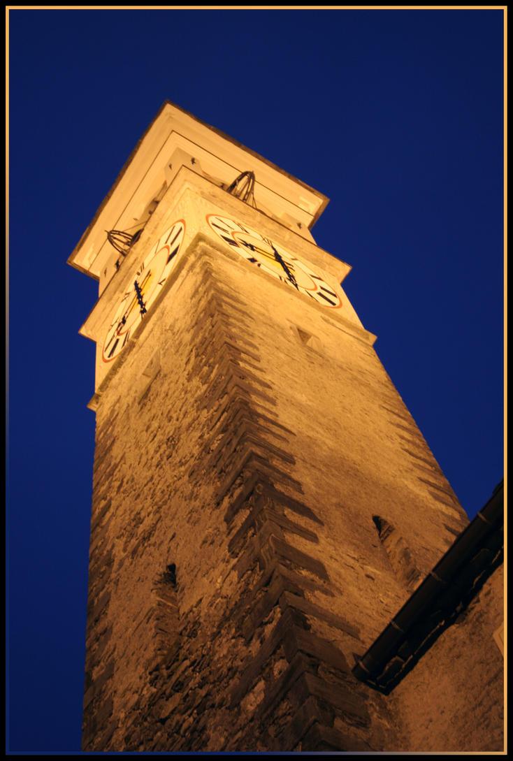 Night Church by sutoll