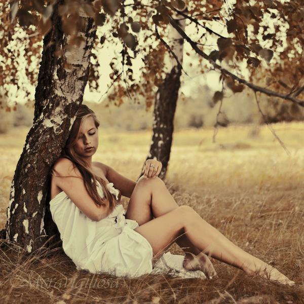 In my world of broken promises by Meravigiliosa